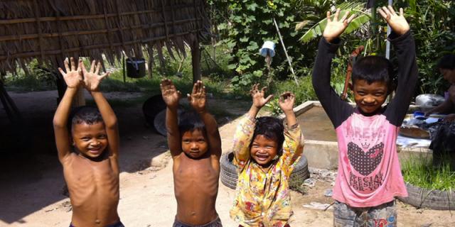 Un village, Une école ou comment offrir un avaenir aux enfants vivant dans les régions isolées d'Asie du Sud-Est.