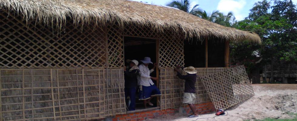 L'école Trompeng Tim Lyli School terminée! Les enfants vont pouvoir commencer les cours de khmer et d'anglais.
